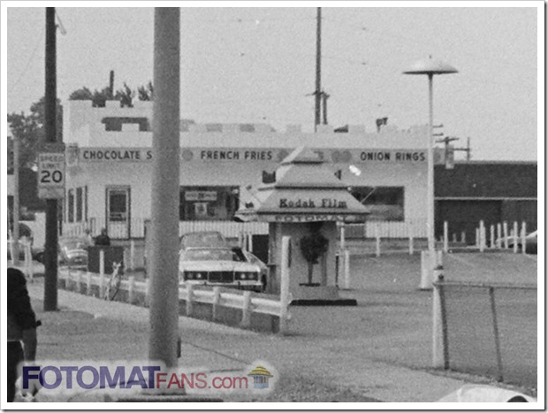 Fotomat at Calumet & Chicago in Hammond, Indiana in 1975 - FotomatFans.com
